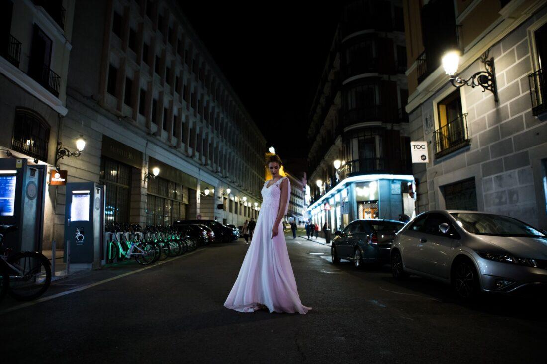 Fotografía novia en la noche de Madrid | Javier Rey Fotografia bodas